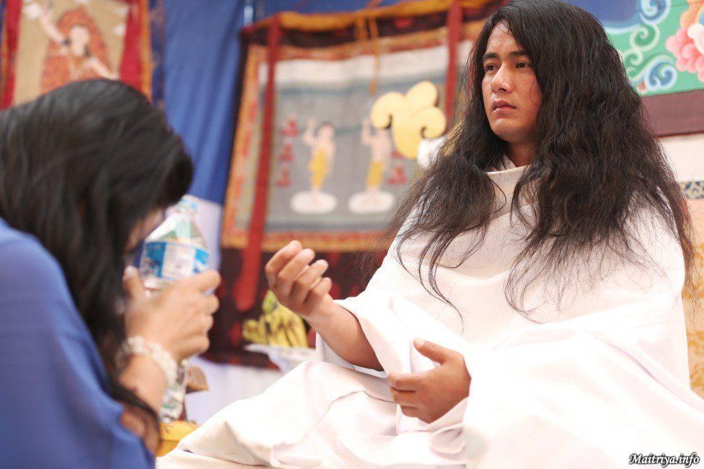maitri-guru-blessing